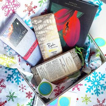 Chocolate Naive Spices bar in my December 2017 Chocolate Uplift craft chocolate subscription boxes
