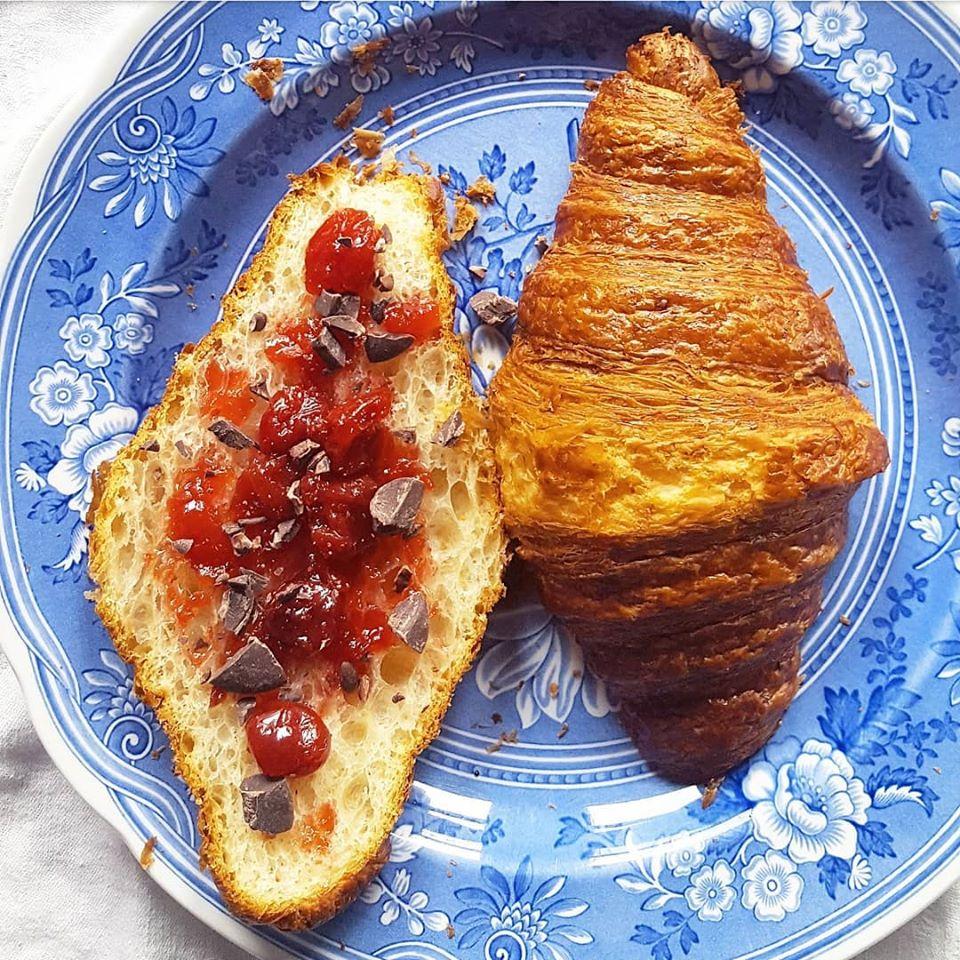 choc croissant jam