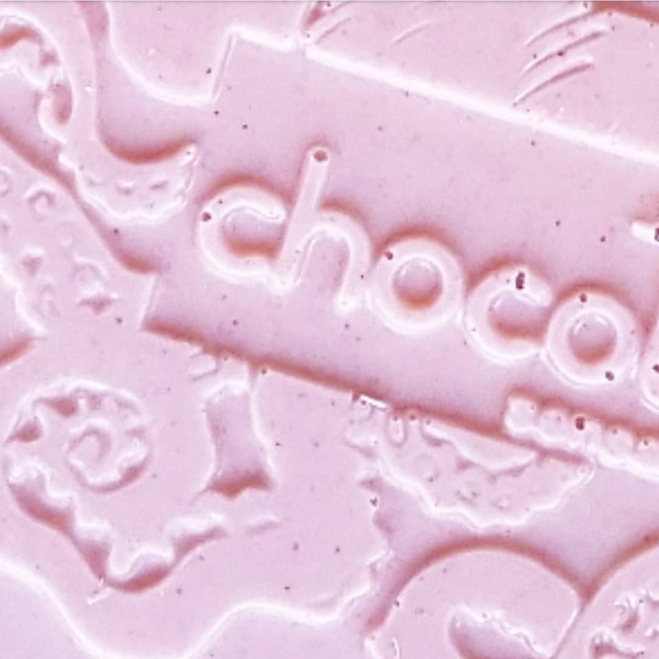 chocolatasm hot pink detail